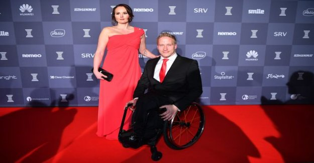 This is Leo-Pekka-Star new dear Katja - celebrate the sports gala in a red dress
