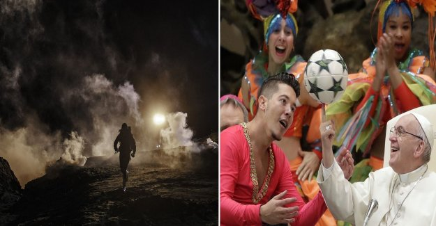 This week's pictures: new year around the world, ebolalarm & Russian double vision