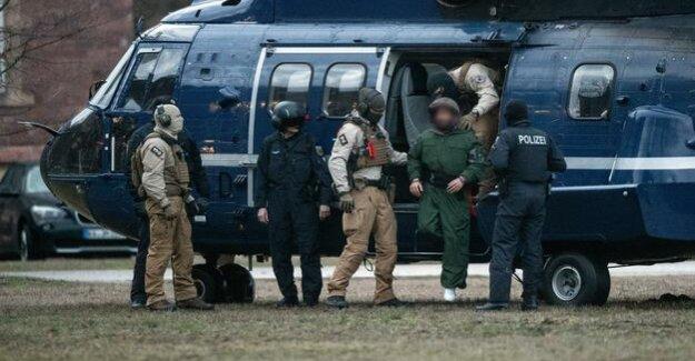 Three Iraqis arrested : police foiled Islamist plot