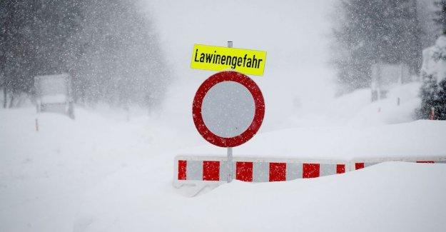 Three dead in austrian avalanche