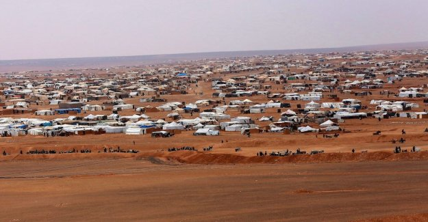 Unicef: Syrian children dying of cold in refugee camps