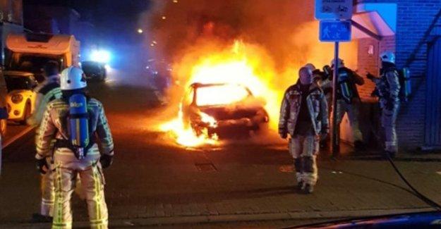 VIDEO. Drunken driver commits vluchtmisdrijf, car lights off after parking