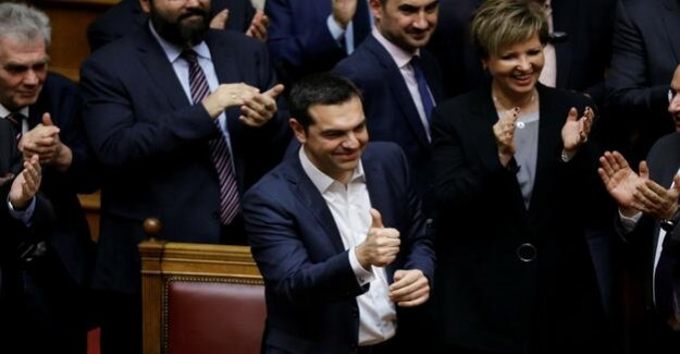 Vote of confidence in the Greek Parliament, speaks to Premier Tsipras, the trust