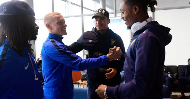 WINTERSTAGES, DAY 1. The Norre dolt at the airport with ex-team mates - Relaxed walk in the evening for Club - Standard sweat with 'beeptest' - Moses Simon on a visit to AA Gent