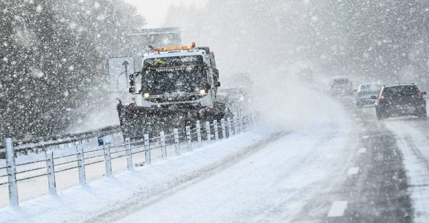 Warning of heavy snowfall at several places