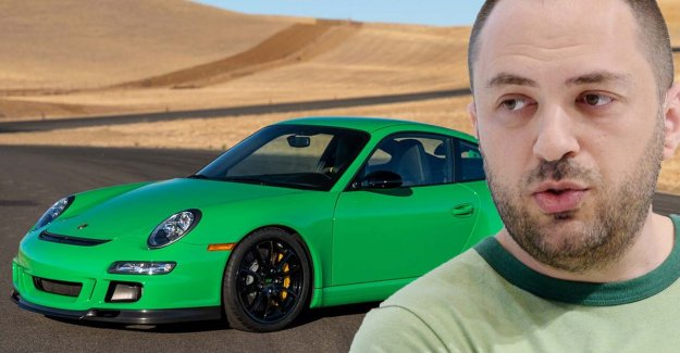 Wealthy founder Whatsapp sells ten Porsches from his exclusive collection