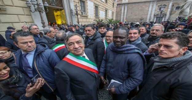 With civil disobedience against the policy of Matteo Salvini