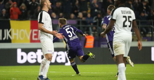 Yari Verschaeren (17), the new 'darling' of Anderlecht: Technique, vista... that boy has something