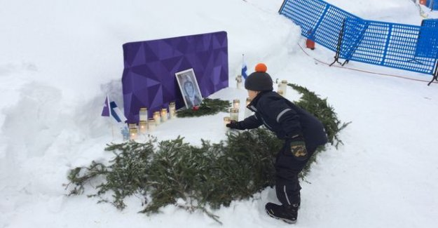 A touching moment in the Bay: Eetu, 8, took a candle Matti Nykänen at the monument - ordinary finns were able to champion peace in Heaven