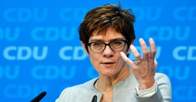 Annegret Kramp-Karrenbauer : the CDU is working with the new Head of its refugee policy