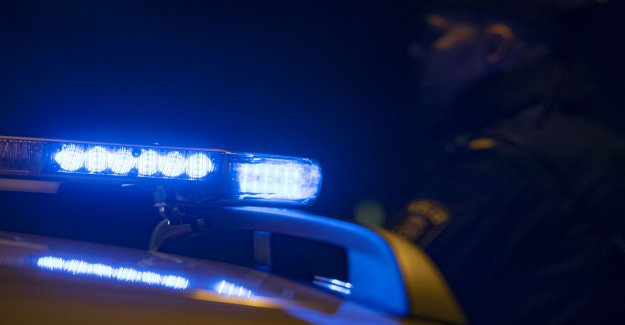 Armed thief stuck after police chase