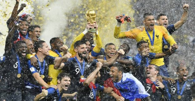 Attention-grabbing collaboration - four rivals will keep WORLD cup