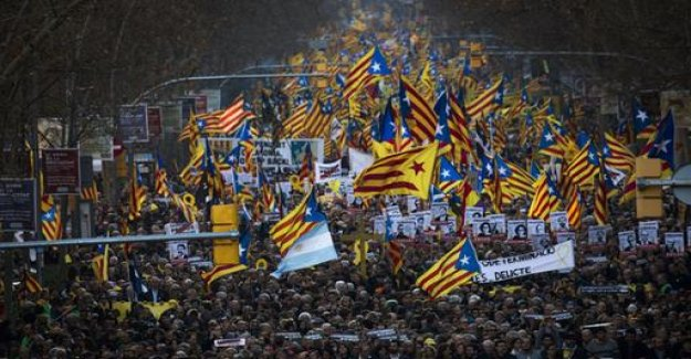 Barcelona: 200,000 people calling for freedom for separatists