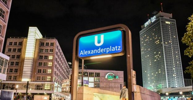 Berlin-Mitte : a 17-Year-old to the track bed pushed