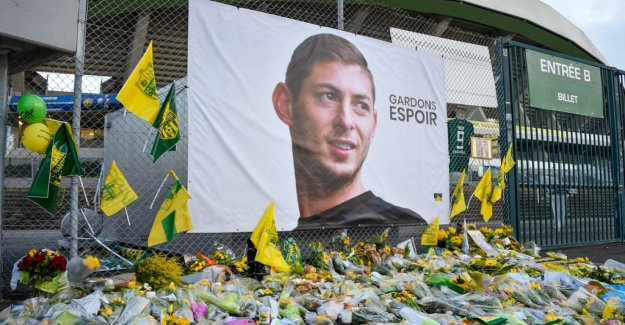 Body recovered from the plane which Sala traveled with
