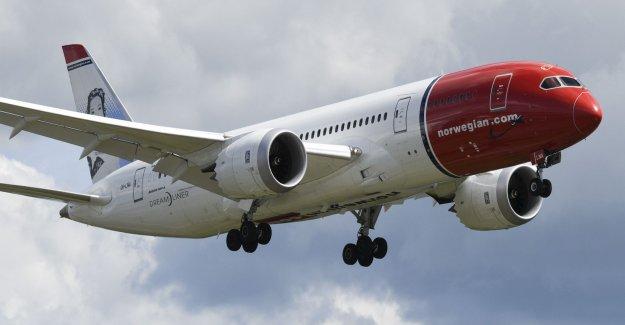 Bombhotat plane has landed at Arlanda airport