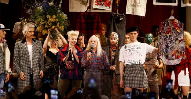 Brexit-protest on the catwalk at Vivienne Westwood