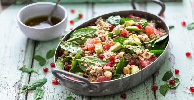 Bulgursallad with quinoa and grape