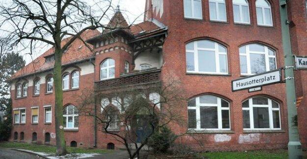 Bullying allegations : the education Senator offers Berlin elementary school help
