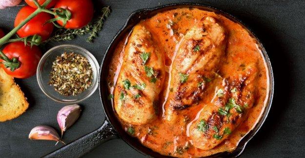 Chicken fillet in tasty tomato sauce