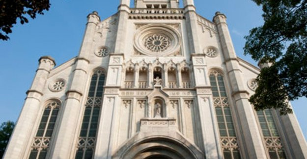 City of Ghent is not to protest about supermarket in St. anne's church