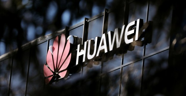 Claim the british would give the green light to the Huawei