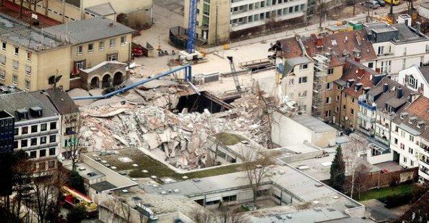 Cologne archive-doomed to collapse : senior site supervisor probation