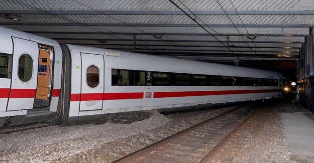 Deutsche Bahn : ICE from Berlin to Basel, no injuries derailed -