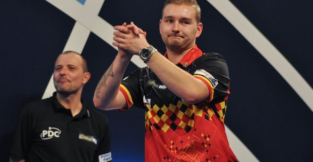 Dimitri Van den Bergh grabs in addition to first gold in Players Championshiptoernooi
