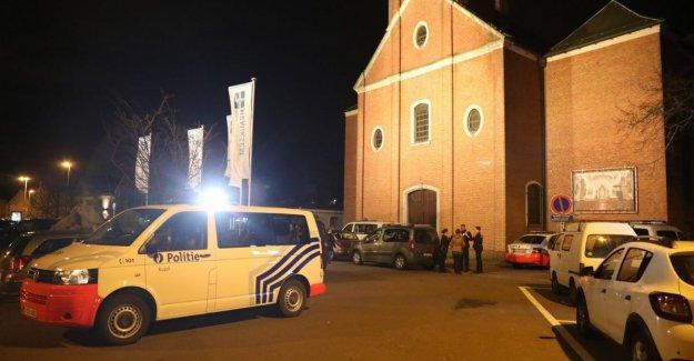 Duo in black commits robbery at frituur 't Village in Hemiksem