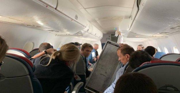 Extreme turbulence sends passengers to hospital