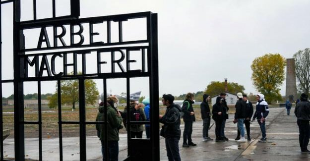 Former concentration camp : the Right guard in the Sachsenhausen memorial
