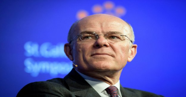 Insurer Zurich pays a higher dividend
