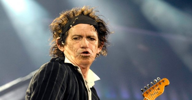 Keith Richards trying to quit smoking