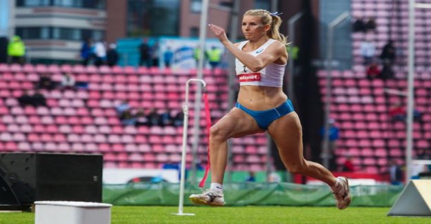 Kristiina Mäkelä soaring in tune - missed just inches to 16-year-old IT-result