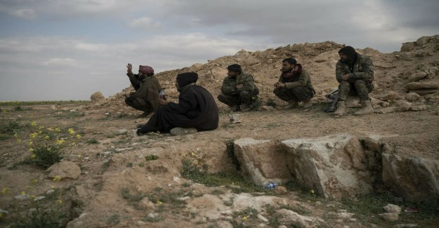 Last IS-stronghold in eastern Syria is reported to give up