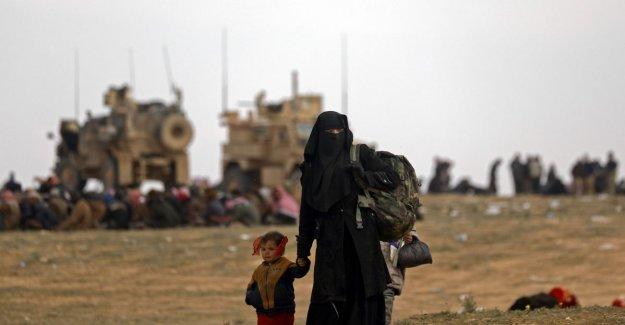 Last-enclave in Syria cases, hundreds of jihadists surrender