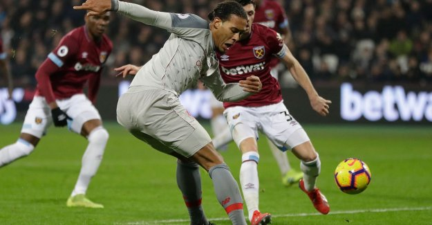 Liverpool continues to falter at West Ham and sees City now three points come