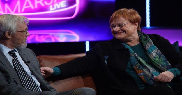 MTV3: Tarja Halonen and Pentti Arajärvi laugh tv-audience relationship vitsailullaan: hearing is the secret of a happy marriage