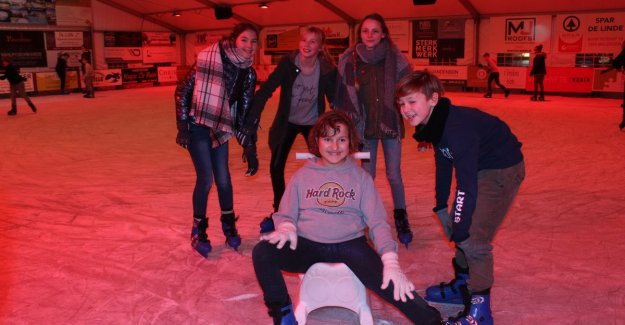 Maldegem open ice rink... at 15 degrees... But ice keeps himself cool, you know