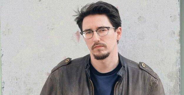 Marko Dinićs debut novel : hostage to the nostalgia
