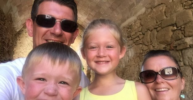 Melissa (34) went three weeks ago to the doctor with 'buikplaagje', Tuesday, she died of aggressive cancer: papa Jeroen (33) stays behind with the kids of 4 and 6