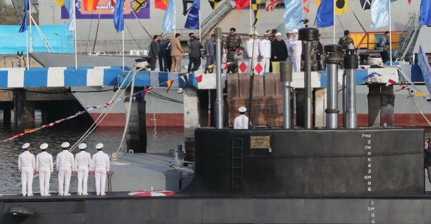 Middle East : Iran's new submarine with cruise missiles in operation