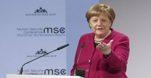 Munich security conference : Merkel's ironic Offensive against Trump