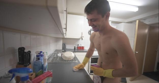 Nude cleaning: Daniel has big success