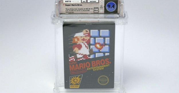 Old Super Mario game brings in $ 100,000, thanks to one small sticker on the box