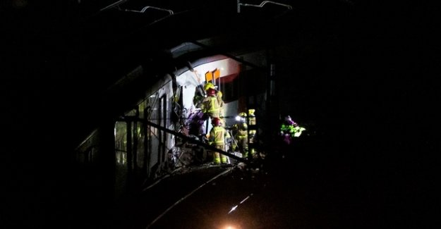 One Dead and one hundred injured in train wreck in Spain
