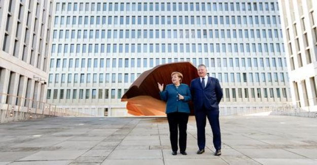 Opening in Berlin: Merkel strengthens BND the back