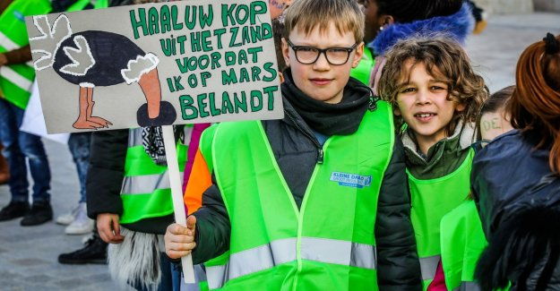 PICTURE: More than 1,000 in Bruges, young people and children living on the streets for climate action: We continue to be truant to ministers to listen