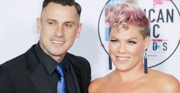 Pink stuck out past Thanksgiving the ties of husband Carey leak: The holidays are stressful